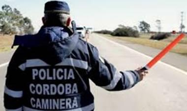RUTAS CORDOBESAS : POLÉMICAS MULTAS DE LA CAMINERA POR EL USO DE LUCES DIURNAS.