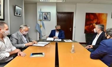 SAN LUIS : EL GOBIERNO PROVINCIAL , FIRMÓ CON NACIÓN PARA CONSTRUIR 1.200 VIVIENDAS NUEVAS.