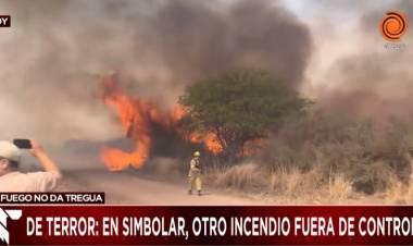 VÍDEO - CÓRDOBA :  DE TERROR  E IMPRESIONANTE EL AVANCE DE LAS LLAMAS, EN SIMBOLAR.