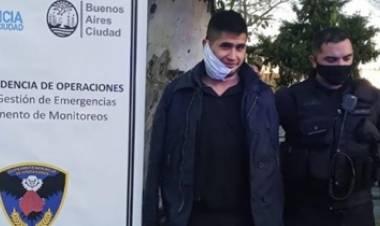 VÍDEO- ROBÓ UN AUTO, SE RIÓ CUANDO LO DETUVIERON Y LO LIBERARON AL MES : AHORA MATÓ A UN POLICÍA.