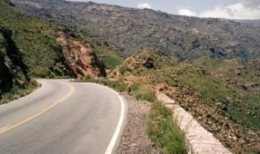 OTRO MOTOCICLISTA SE ACCIDENTÓ EN LAS ALTAS CUMBRES, CÓRDOBA.